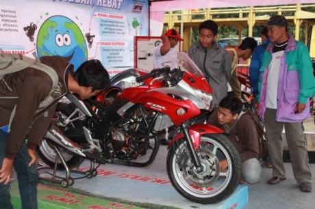 AHM Pimpin Pasar 2013